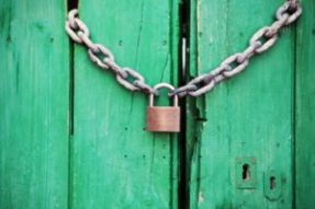 door-green-closed-lock-300x200