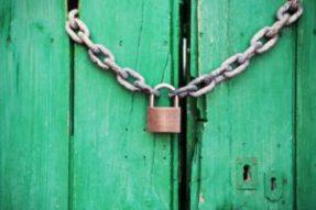 door-green-closed-lock-300x200