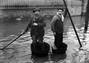 paris_1910_inondation_avenue_felix-faure_2